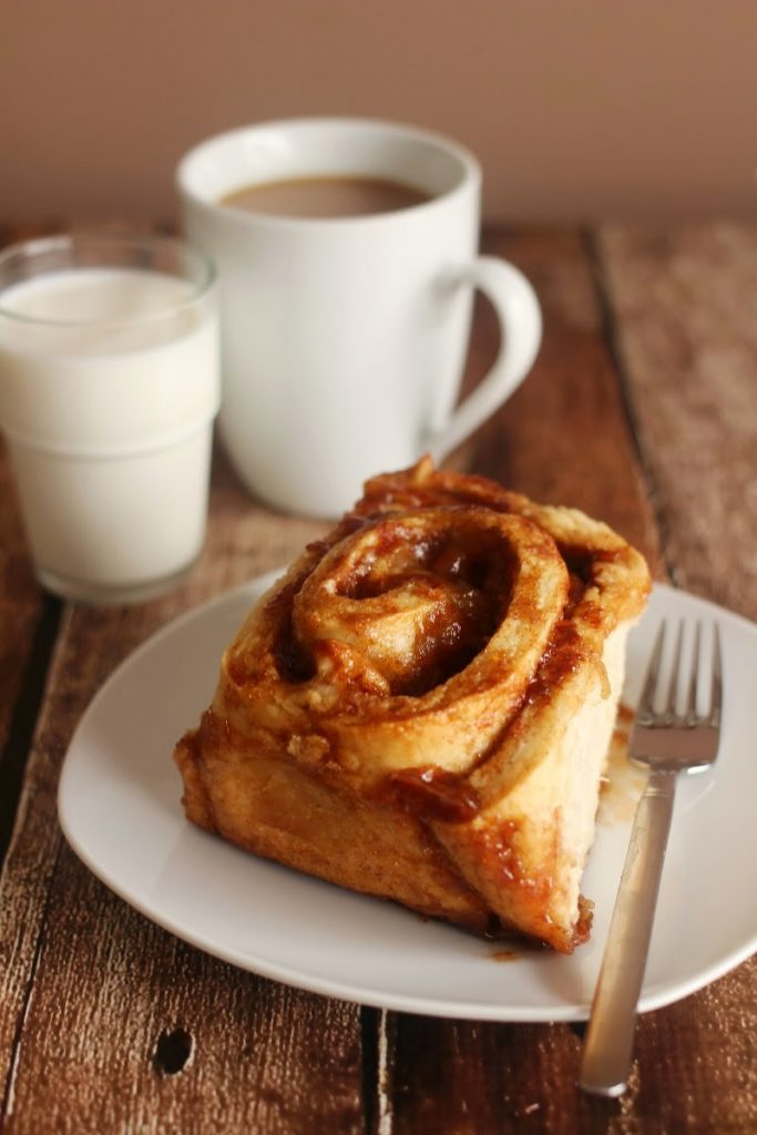 Apple Pie Cinnamon Rolls Fall Breakfast