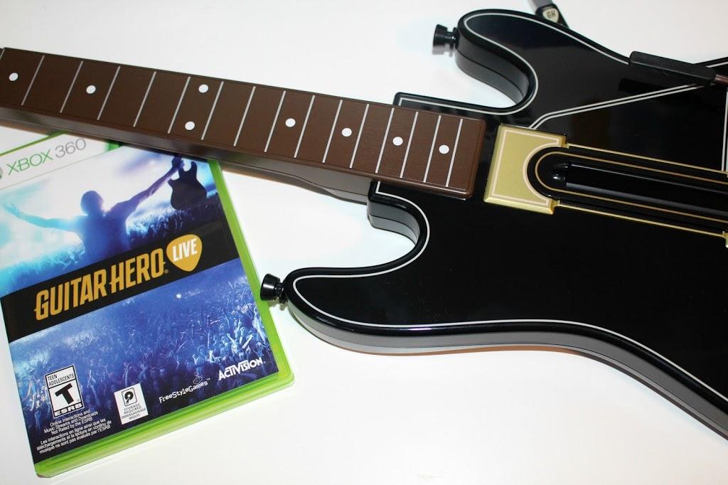 Xbox-Live-Game-Guitar-Hero-360-1
