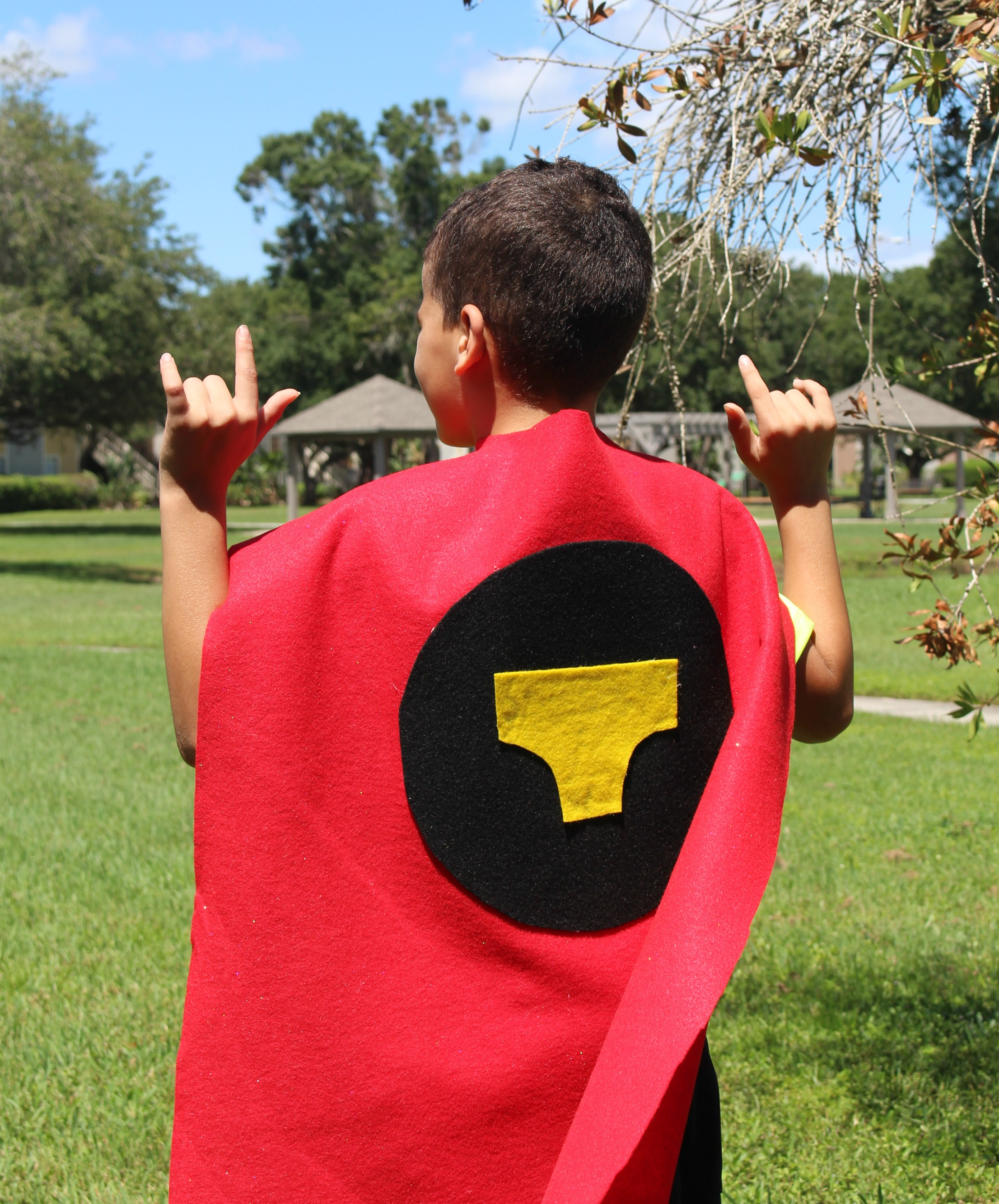 No-sew-Captain-Underpants-Cape-DIY