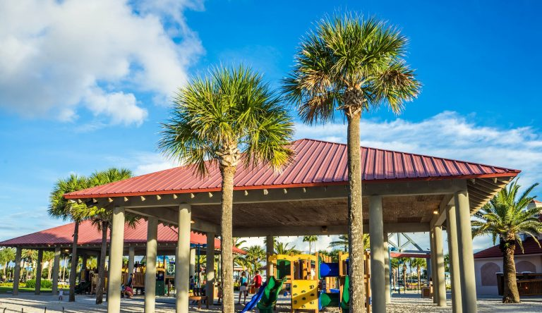 8 Tips for Saving on a Family Beach Vacation