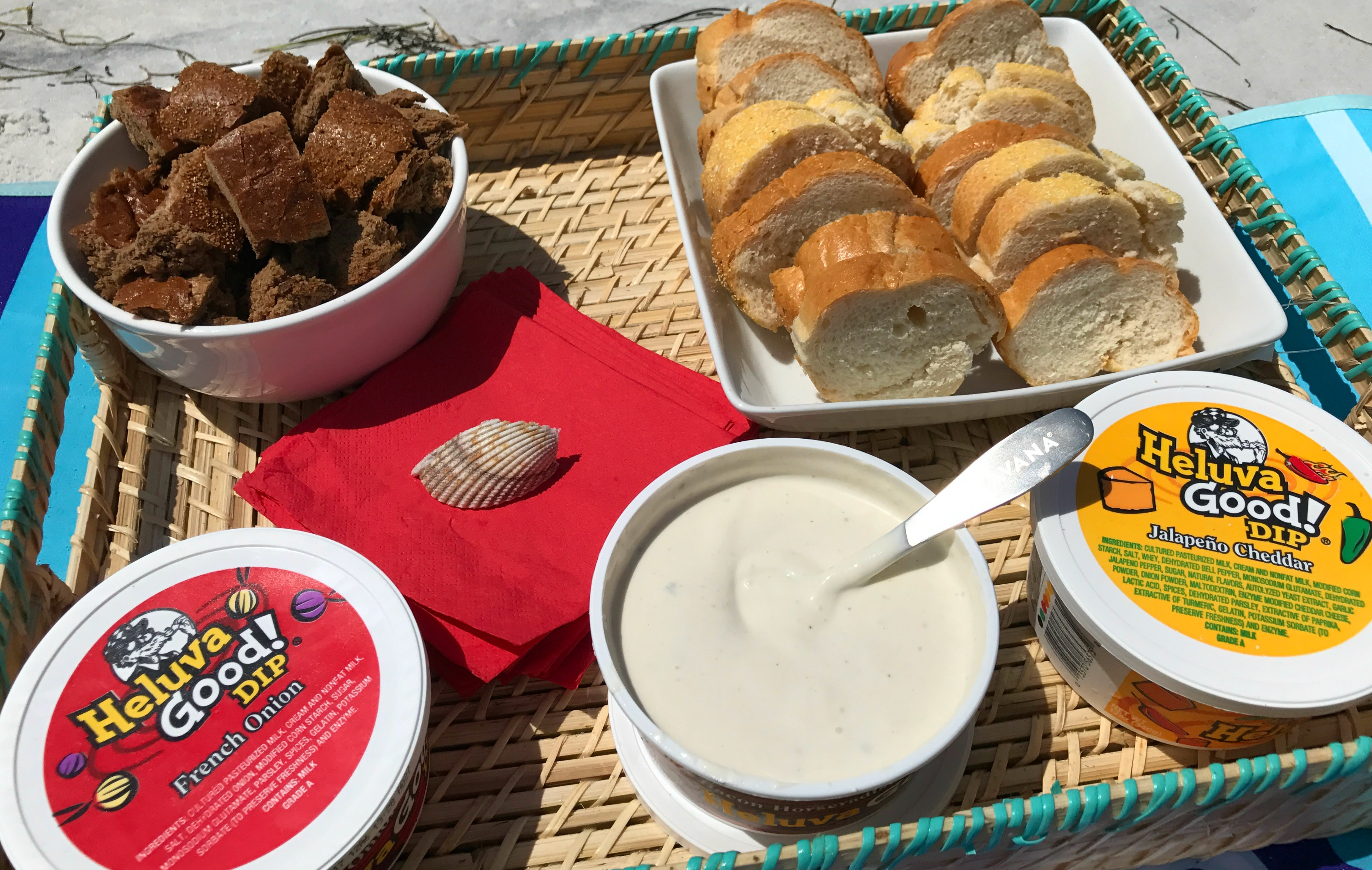 Flavored-dip-party-snacks