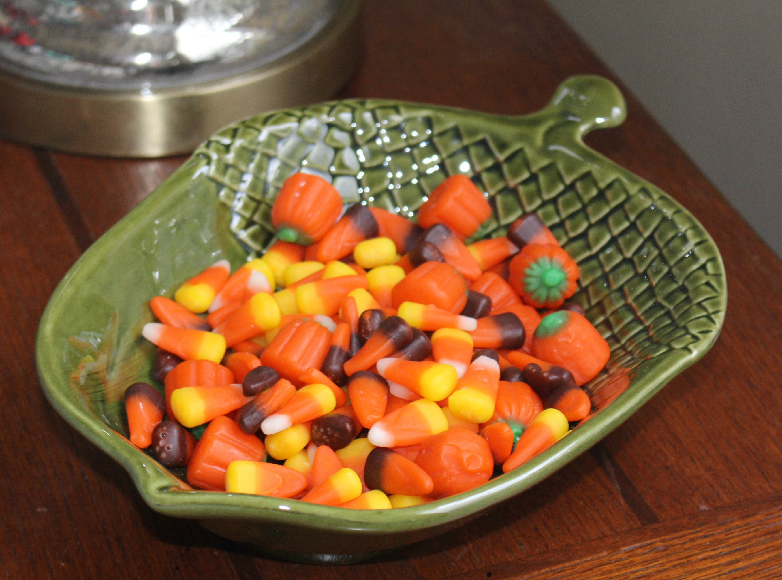 Tips-for-fall-decorating-on-budget-candy