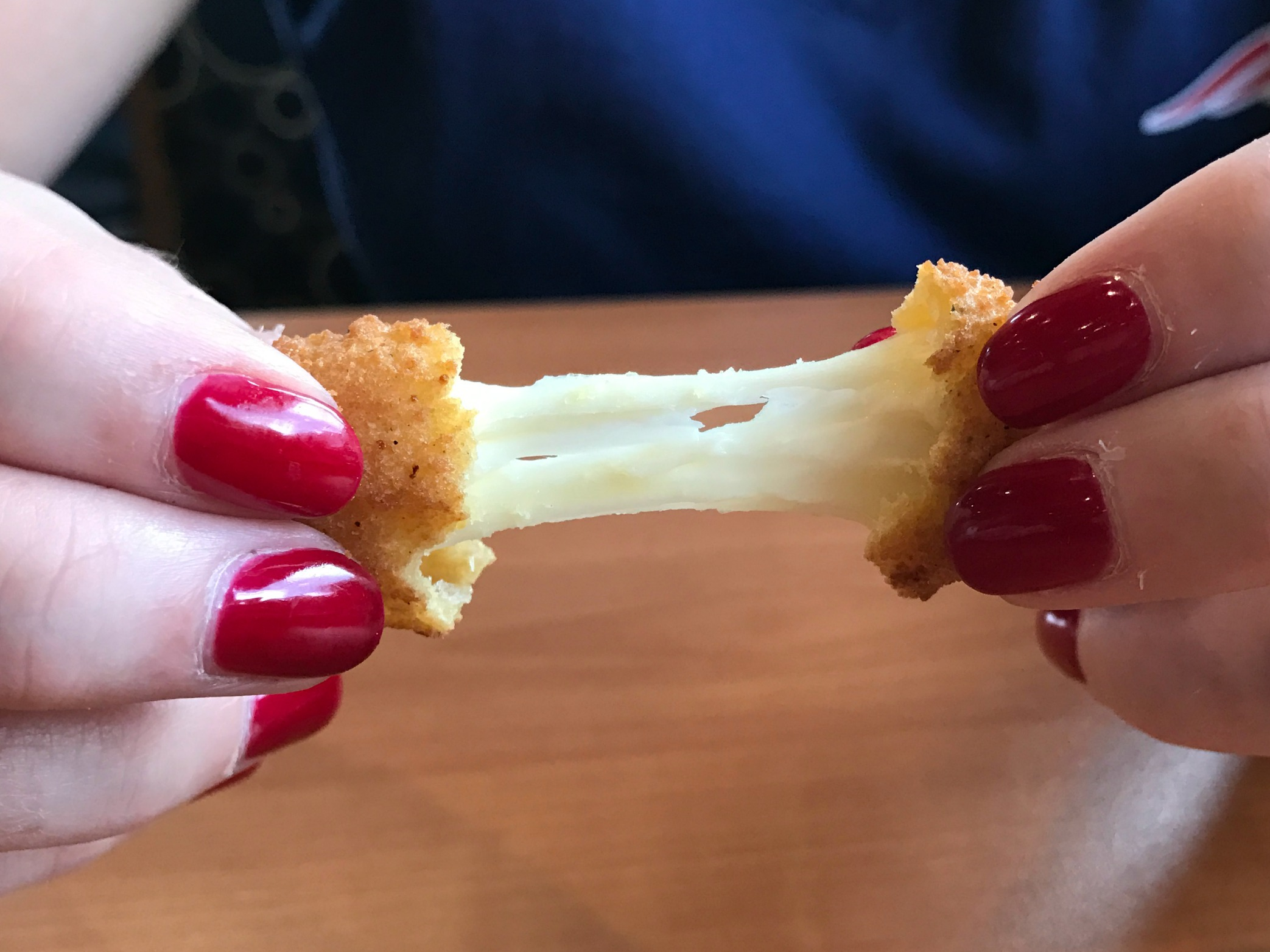 Culvers-national-cheese-curd-day-giveaway-cheese-pull