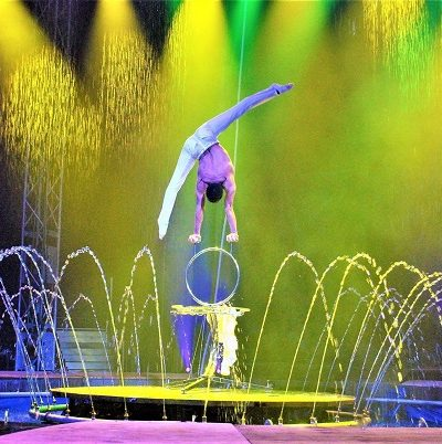 Cirque Italia Water Circus in front of Riviera Dunes Marina in Palmetto Florida!