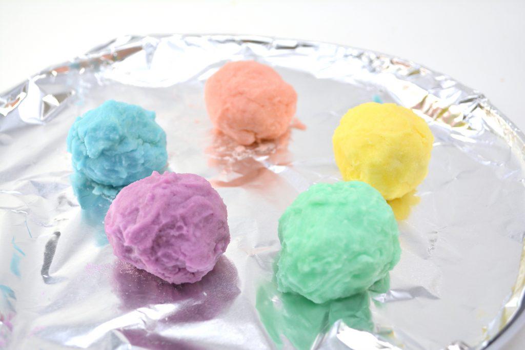 Suprise-Magic-Rainbow-Rocks-Craft