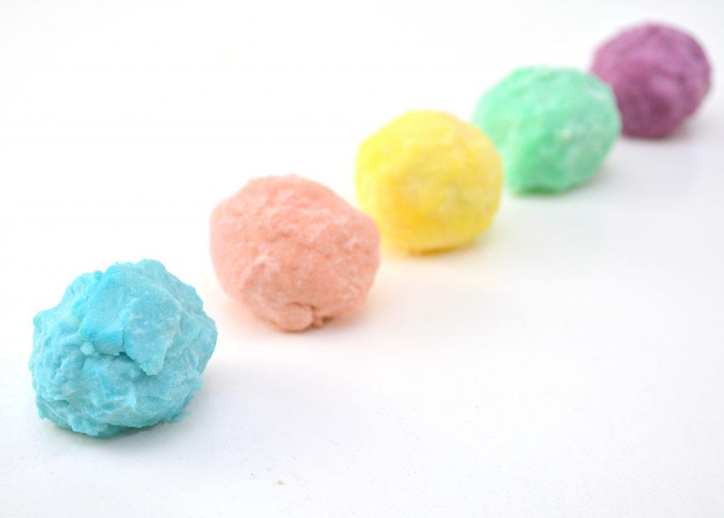 Surprise-Magic-Rainbow-Rocks-Craft-Directions