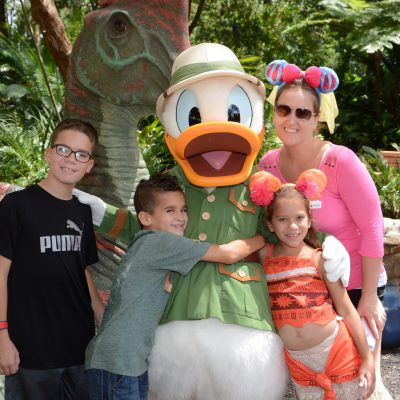 Animal Kingdom Attractions characters Donald Duck