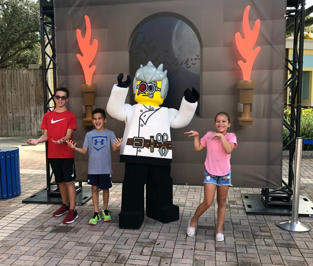 Halloween-Party-Characters-LEGOLAND