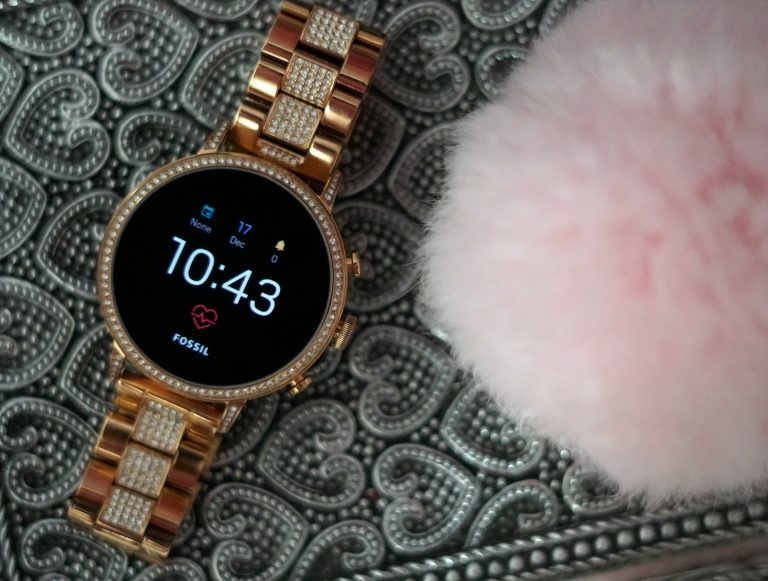 OS by Google and Fossil Smartwatch for Her Review