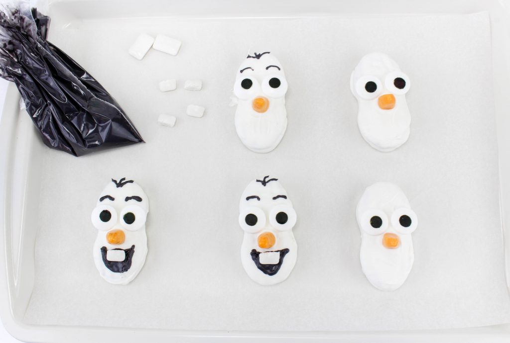 Putting Olaf Face on Cookies