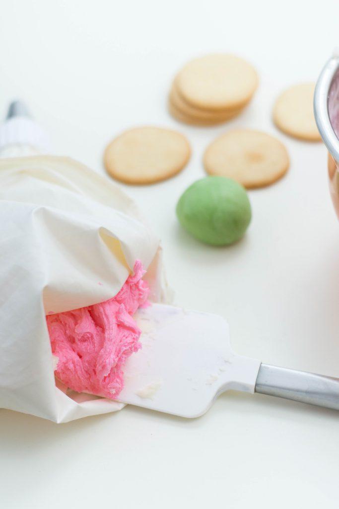 making flower sugar cookies