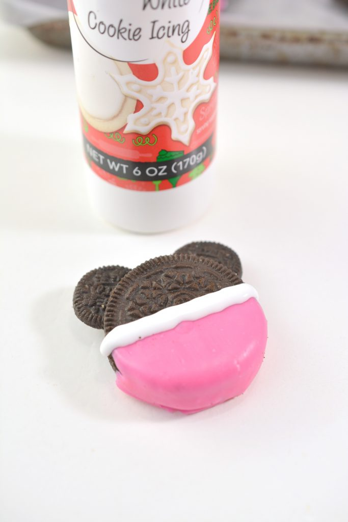 Minnie Mouse Oreo Cookie