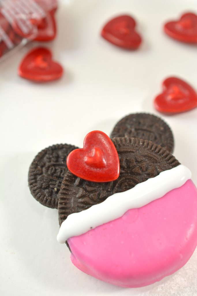 Minnie Decorated Oreo Cookie Recipe