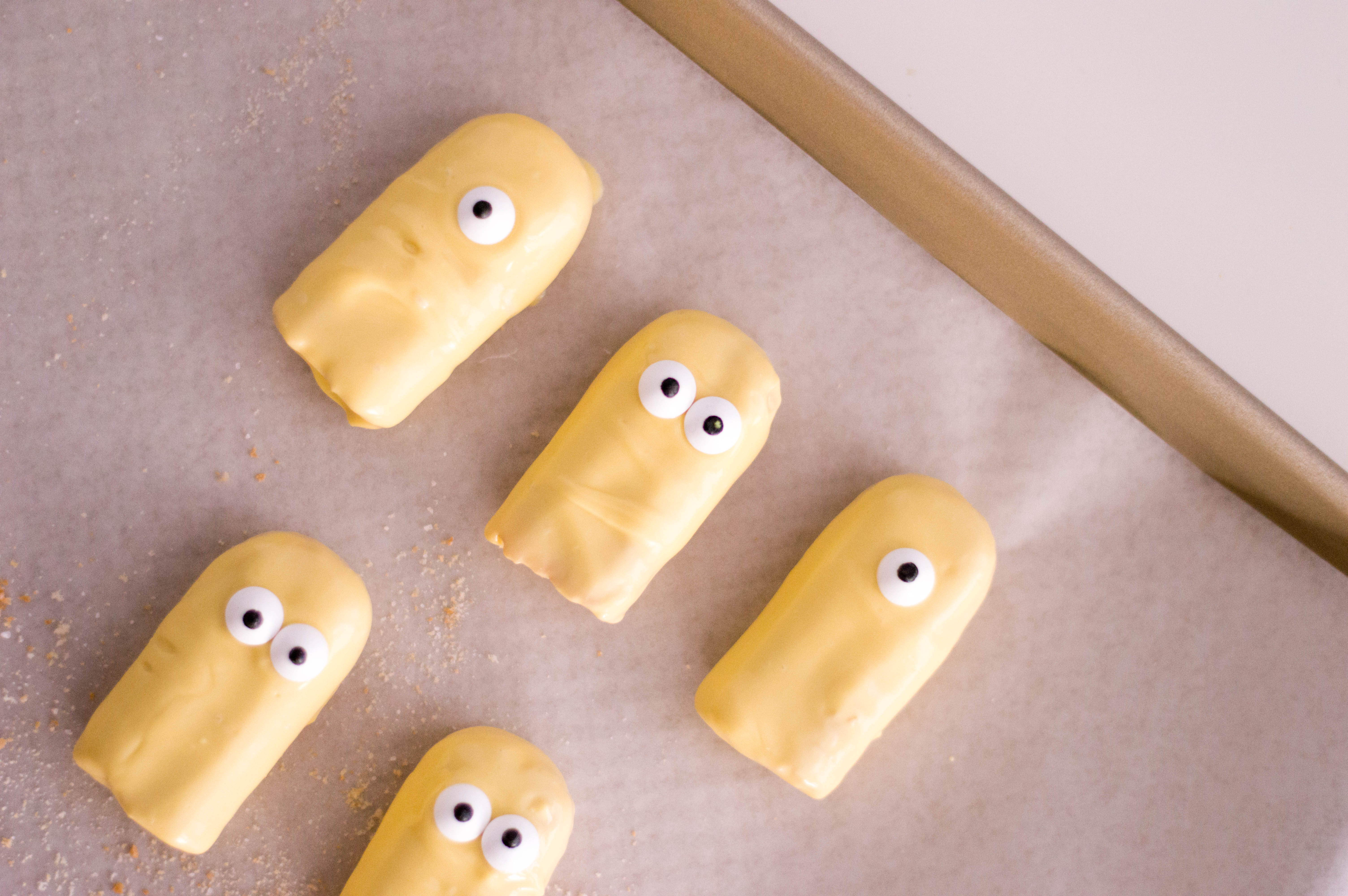 Making Minions out of Ladyfinger cookies