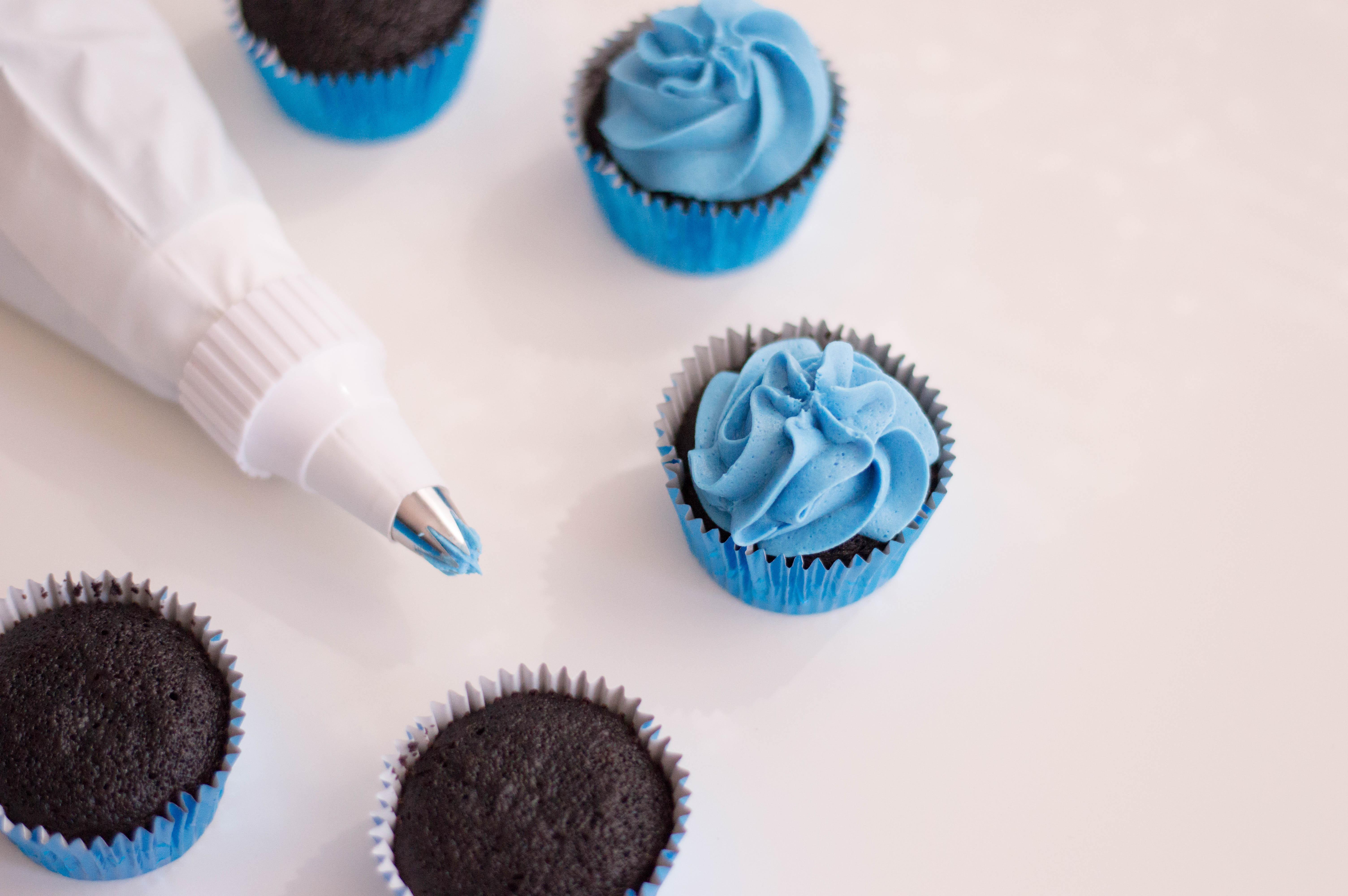 Minion Cupcakes Recipe Decorating