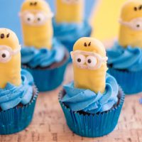Minions Themed Cupcakes