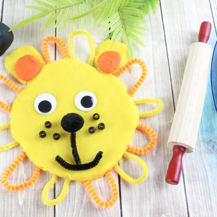 DIY Playdough Lion