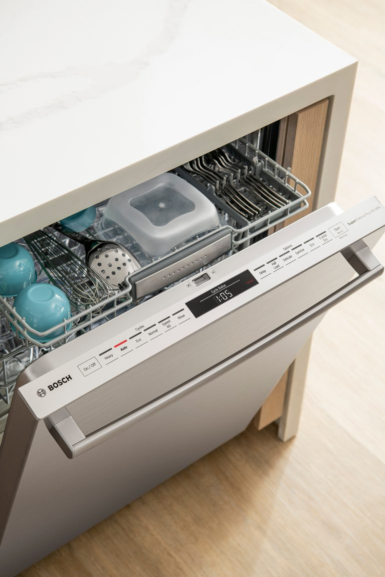 New Bosch 800 Series Dishwasher with CrystalDry Technology at Best Buy