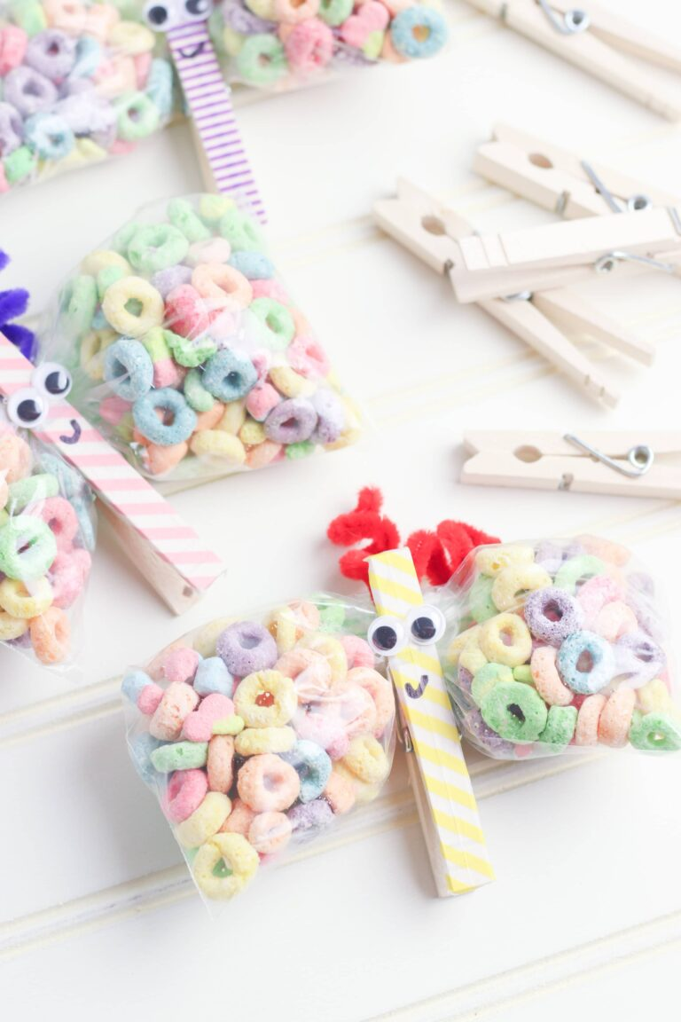 The Easiest DIY Butterfly Snack Bags Idea