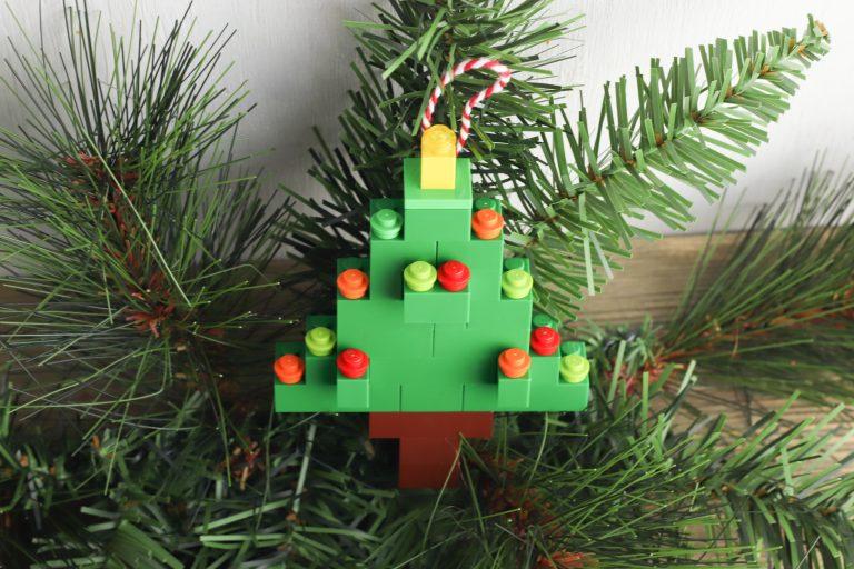 How to Build a LEGO Christmas Tree Ornament