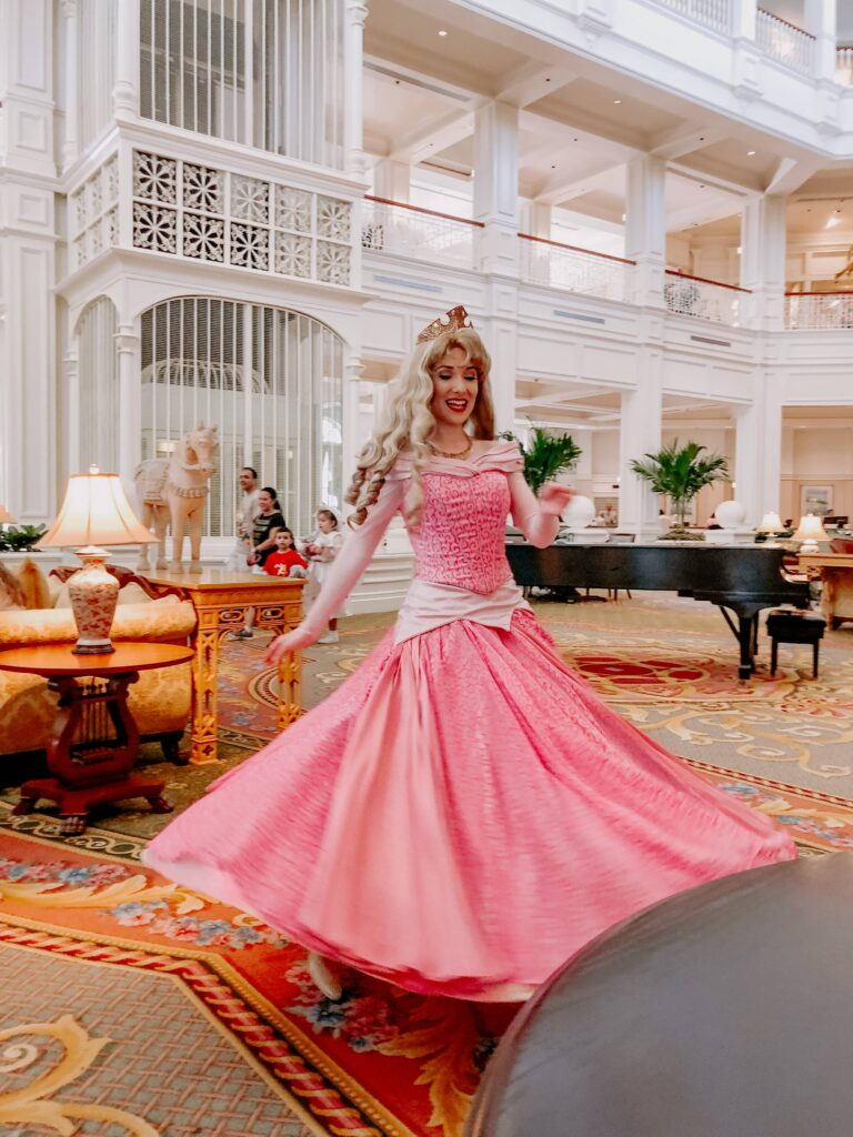 Find Disney Princesses: Walt Disney World Restaurants and Photo Spots